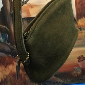 SUEDE OLIVE CROSSBODY